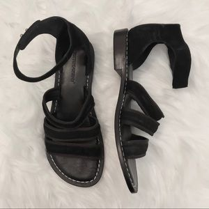 Bernardo Black Sandals Size 9